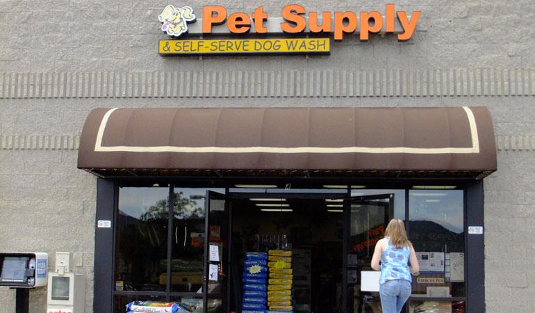 Estes Park Pet Supply (& Dog Wash!)